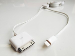 iPhone5 Lightning / iPhone4S 30pin 二股ケーブル